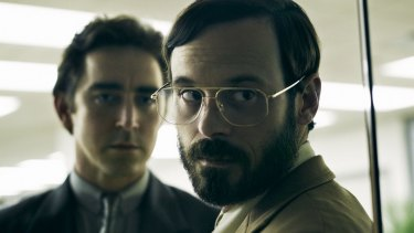 Scoot McNairy as Gordon Clark in Halt and Catch Fire.