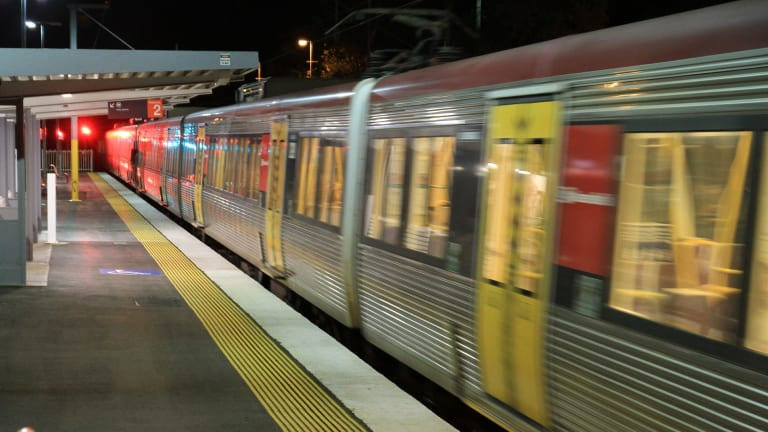 A report into the rail cancellations on Christmas Day says Queensland Rail was forced to rely on drivers accepting extra shifts and overtime on days off.