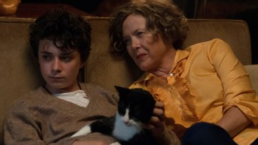 Jamie (Lucas Jade Zumann, left) is bewildered by all the advice thrust upon him by his mother Dorothea (Annette Bening) and others in 20th Century Women.