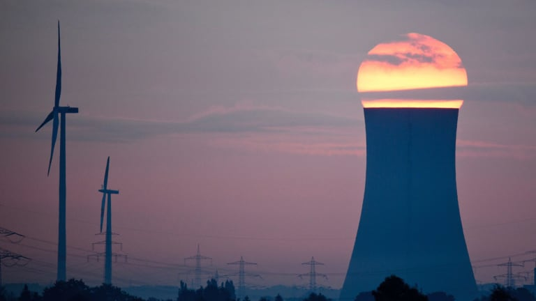 Sunrise or sunset for coal-fired power: NEG would extend the life of aging fossil fuel plants.