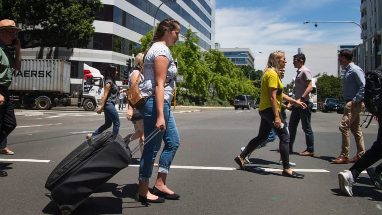 Marnie from the Blue Mountains decides to walk from the Sydney domestic airport to Mascot train station.