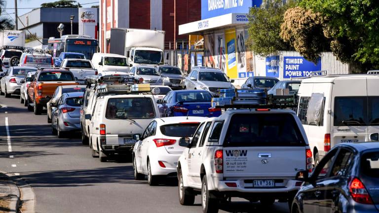 Traffic at the corner of Lower Heidelberg and Banksia Street.