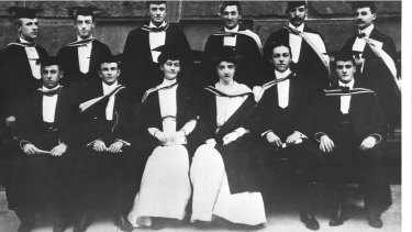 Annie Praed (left) and Margaret Barnes were among the first class to graduate Bachelor of Dental Surgery from the University of Sydney in 1906.