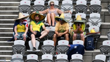 Fans were left high, dry and hot at the Sydney International as organisers ordered players off the court due to extreme heat.
