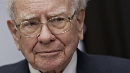Warren Buffett faults hedge fund fees for eating up capital 'like crazy'