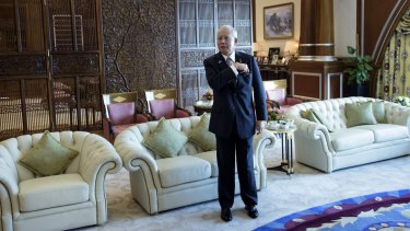 Prime Minister Najib Razak of Malaysia waits in his office in Putrajaya for a meeting with US Secretary of State John Kerry in August 2015.