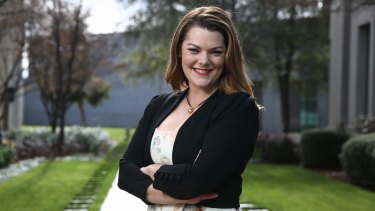 Greens Senator Sarah Hanson-Young will seek support for an inquiry into 457 visa changes.