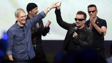 U2 performed at the Apple launch.
