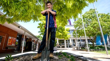 Saad Al-Kassab, from Syrian refugee to gardening job to dux.