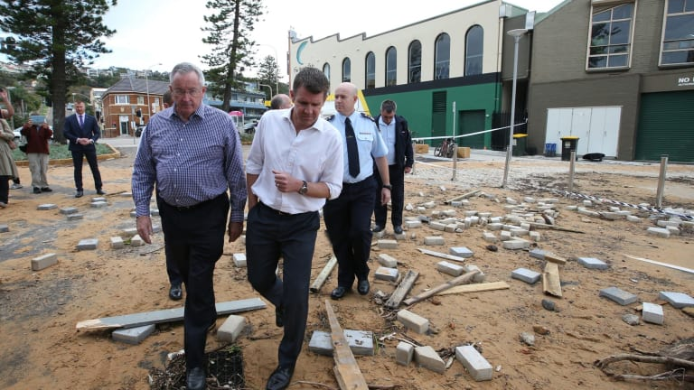 NSW Premier, Mike Baird tours The damage to Collaroy Beach facilities.