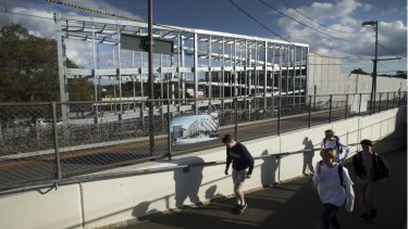 A multi-level car park is being built next to Syndal station on the Glen Waverley line.