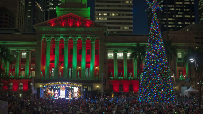 christmas comes to brisbane with the lighting of the solar powered tree with 16000 lights