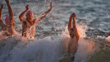 Temperatures should be warmer along Sydney's coast, with Bondi forecast to reach 16 degrees on Sunday.