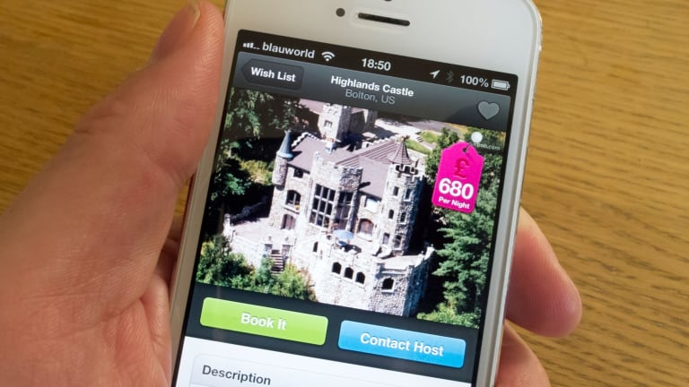 Airbnb lured customers with prices that did not include mandatory fees.