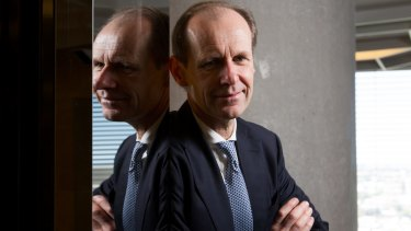 ANZ CEO Shayne Elliott has fixed pay that is about 40 per cent less than his predecessor, Mike Smith.