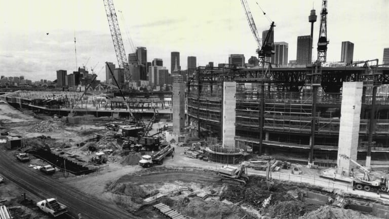 The convention center under construction at the Darling Harbour development, May 6 1987.