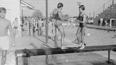 Moree Artesian Baths and Olympic Pool, February 1965.