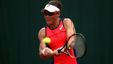 Samantha Stosur blasting her way to the last 16 at Roland Garros on Friday.