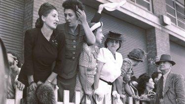 Jewish immigrants arriving in Australia in 1946.
