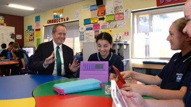Federal Opposition Leader Bill Shorten visited primary school students to discuss coding.