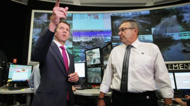 Premier Mike Baird says the NSW  government will install smart motorway technology on the M4.
