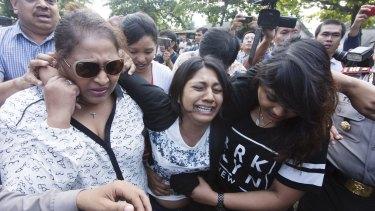 Brintha Sukumaran, sister of Myuran Sukumaran, arriving at Wijaya Pura in Cilacap on the day of the execution of her brother.