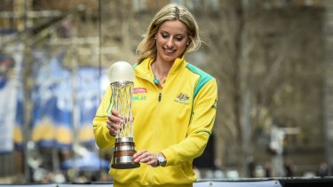 Diamonds skipper Laura Geitz with the Netball World Cup.