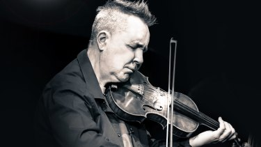 Nigel Kennedy plays Bach and  Gershwin, and one of his own compositions.