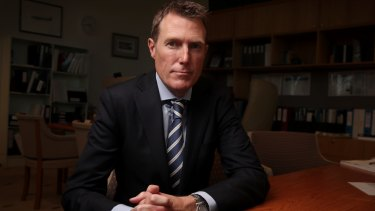 Social Services Minister Christian Porter wants doctors to support the Turnbull government's plan to drug-test welfare recipients.