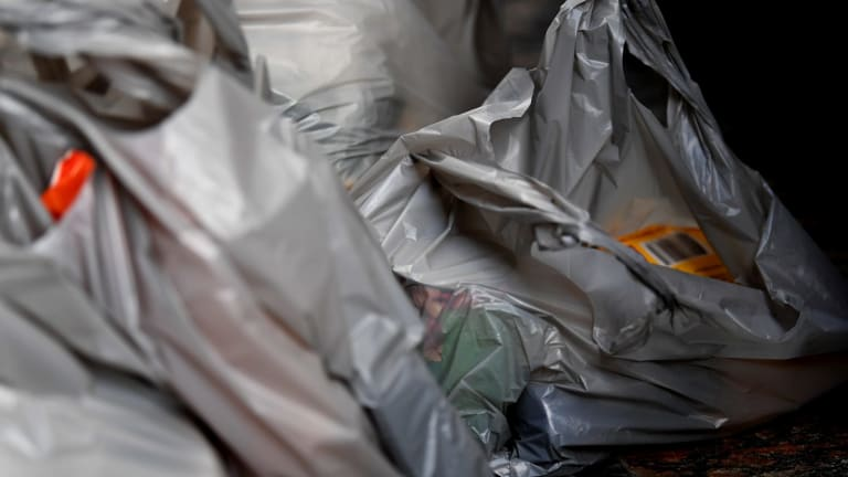 Premier Daniel Andrews has committed to banning lightweight plastic bags.