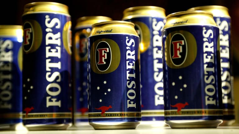 Foster's cans are festooned with Australian imagery.