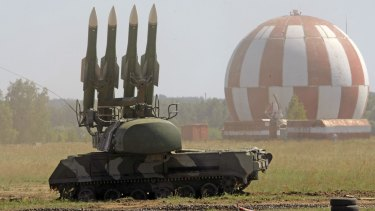 Russian anti-aircraft missile units are proving a thorn in the side of US efforts to back anti-Assad forces in Syria.
