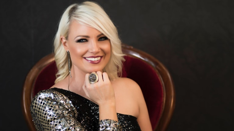 Canberra's Hayley Jensen released her new EP, Past Tense and Present Peace, this week debuting at No.1 on the iTunes country charts and No.17 on the all genre chart.