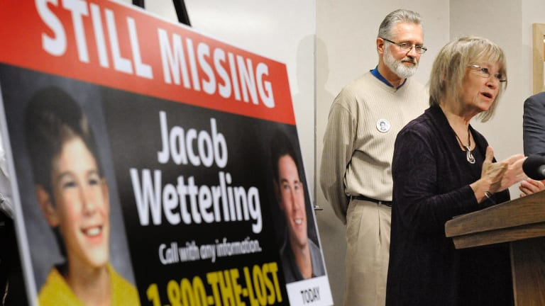Patty and Jerry Wetterling at a press conference in 2014.