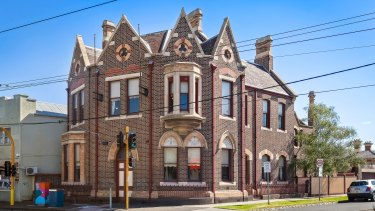 A heritage-listed building at 403-405 Mt Alexander Road constructed in the 1880s for the English Scottish and Australian Chartered Bank sold for $1.8 million.