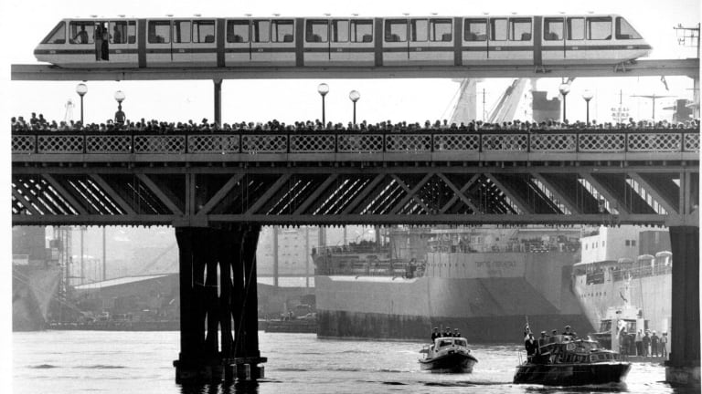 The royal barge enters Darling Harbour, May 4 1988.