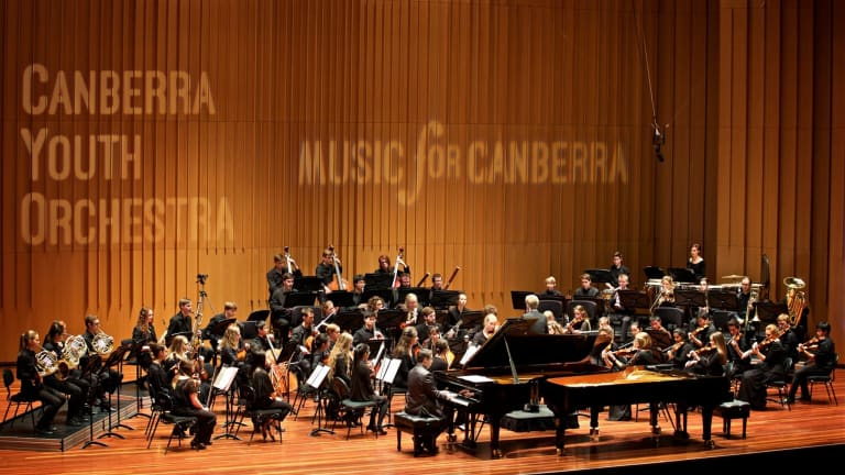 Pianist Dr Edward Neeman and the Canberra Youth Orchestra conducted by Leonard Weiss play Gershwin's <I> Rhapsody in Blue<I>.