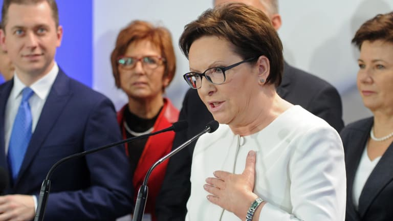 Polish Prime Minister Ewa Kopacz concedes defeat after general elections in Poland.