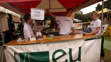 An Evangelical Union stall at O-Week in 2006.
