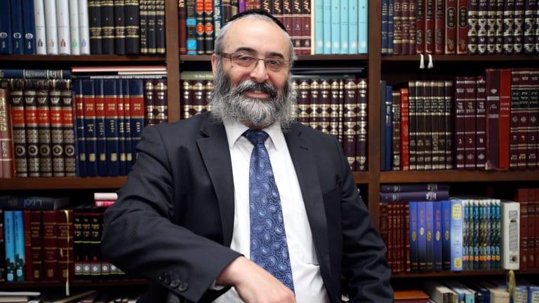 Rabbi Meir Shlomo Kluwgant has stepped down as president of the Organisation of Rabbis of Australasia.