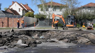 A sinkhole on Glen Eira Road in Caulfield has seen the area closed to traffic.