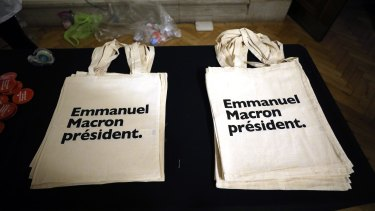Tote bags at Emmanuel Macron's London event.