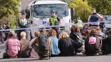 Squatters from East West Link housing in Bendigo Street, Collingwood defy police.