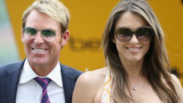 Shane Warne has taken to Tinder following his break-up with Liz Hurley.