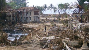 The Boxing Day tsunami was caused by a massive earthquake during a full moon.