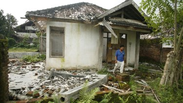 Ahmadiyah settlement in Lingsar district, west Lombok, Indonesia, was attacked in November 2010.