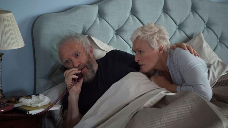 Joe (Jonathan Pryce) and Joan (Glenn Close) in The Wife.