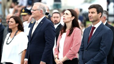 Jenny Morrison, Australian Prime Minister Scott Morrison, New Zealand Prime Minister Jacinda Ardern and Clarke Gayford take part in a wreath laying ceremony at Auckland Museum.