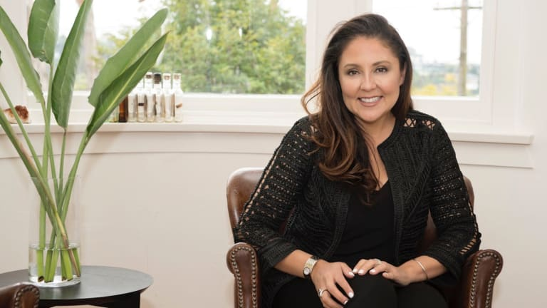 Fabiola Gomez is the founder of Luxit.