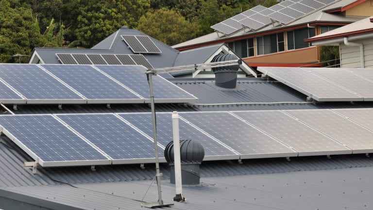 Government pulls the plug on household solar